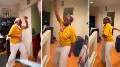 Mamá trabajadora aprueba examen de abogacía y su baile de felicidad se hace viral