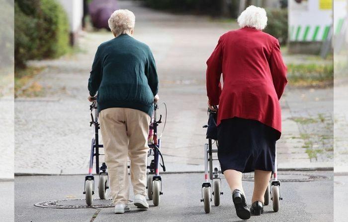 La pérdida de músculo es un factor de riesgo significativo de caídas, la principal causa de muerte accidental en personas de 65 años o más. (Sean Gallup/Getty Images)
