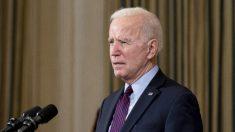 """La Casa Blanca asegura a grupos de control de armas que cumplirá agenda """"ambiciosa"""" de control de armas"""