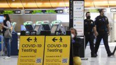 Gobierno de Biden podría exigir la prueba de COVID-19 para los viajes aéreos nacionales