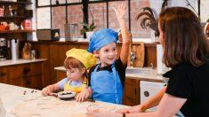Niños de 2 años pueden aprender a cocinar: Estas son las habilidades culinarias que pueden adquirir