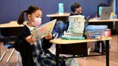 2 organizaciones de padres demandan a Gob. de California por obligar a niños a usar mascarillas