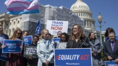 Grupos conservadores lanzan campaña para proteger a los niños de las políticas de identidad de género