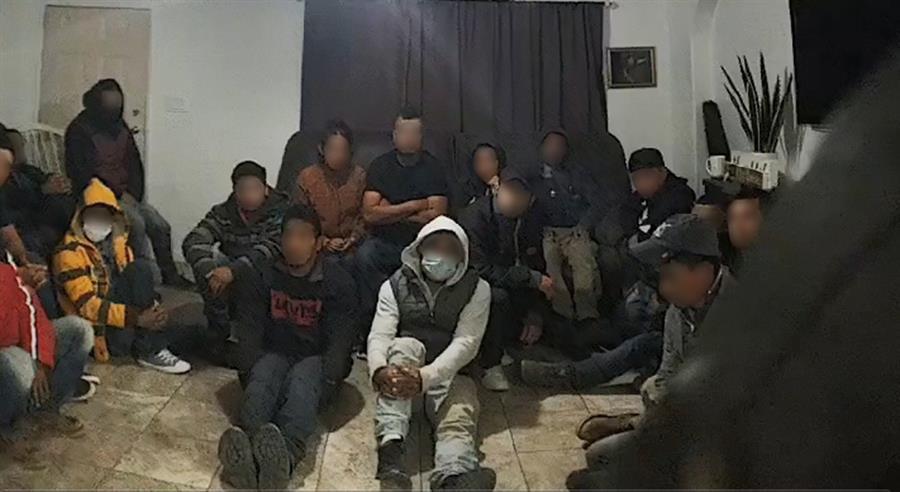 """La Patrulla Fronteriza halla a 18 indocumentados en una """"casa de seguridad"""""""