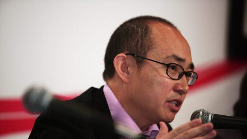 Pan Shiyi, presidente de SOHO China, presenta los resultados financieros de SOHO China en Hong Kong, el 13 de marzo de 2009. (Lo Ka Fai/China Photos/Getty Images)