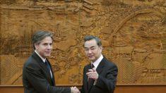Legisladores instan a funcionarios de Biden a mantener postura dura con China en su próxima reunión