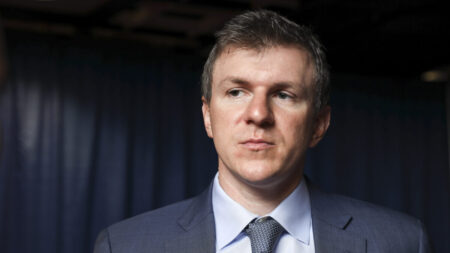 James O'Keefe dice que demandará a CNN por difamación tras veto de Twitter a Project Veritas