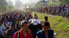 Unos 300 migrantes centroamericanos se amotinan en el sureste de México