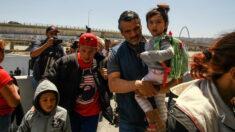 Helicóptero de la CBP rescata a seis indocumentados, tres de ellos niños