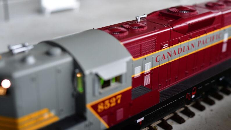 La empresa Canadian Pacific Railway comprará la estadounidense Kansas City Southern (KSC) en un acuerdo por valor de 29,000 millones de dólares, del que aseguran que saldrá la primera red de ferrocarril que unirá Canadá, Estados Unidos y México. (Alexander Koerner / Getty Images).