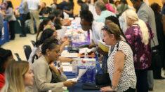 Peticiones de subsidio por desempleo en EE.UU. bajan a 385,000