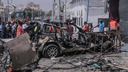 Al menos 53 muertos en el ataque de Al Shabab a 3 bases militares en Somalia