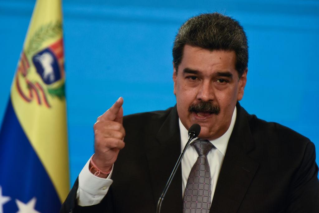 """""""No tenemos prisa"""" por levantar sanciones a régimen de Maduro: funcionario de Biden a Reuters"""