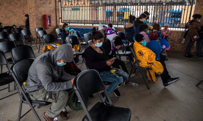 Texas lanza una operación para combatir el tráfico de drogas y personas en la frontera sur
