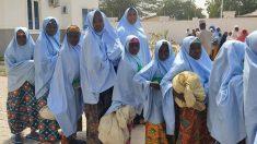 Hombres armados atacan una escuela en Nigeria y secuestran a 30 estudiantes
