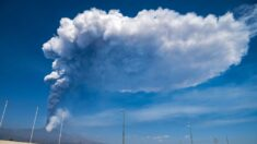 Una nueva erupción del Etna obliga a cerrar el aeropuerto italiano de Catania