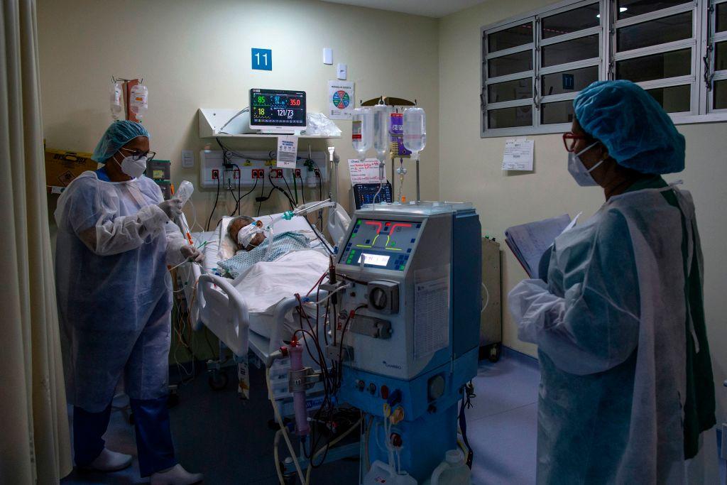 Brasil se aproxima a once millones de casos de covid-19