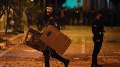 Al menos 20 heridos en disturbios en Paraguay durante una masiva protesta contra Gobierno