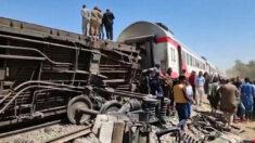 Al menos 32 muertos y 66 heridos en el choque de dos trenes en el sur de Egipto