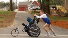 Fallece Dick Hoyt el famoso corredor que empujó a su hijo con discapacidad en más de 1000 carreras