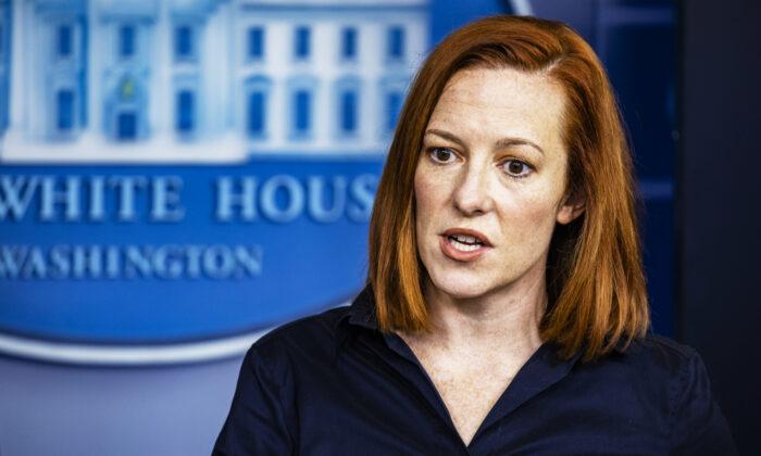 Casa Blanca pide a Abbott que acepte fondos federales para pruebas del virus para inmigrantes ilegales