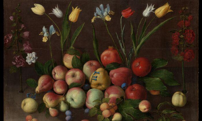 """Detalle de """"Fruta y flores"""", alrededor de 1630, de Úrsula Maddalena Caccia. Óleo sobre lienzo; 30 por 39 pulgadas. Legado de Errol M. Rudman, 2020. Museo Metropolitano de Arte. (Dominio público)"""
