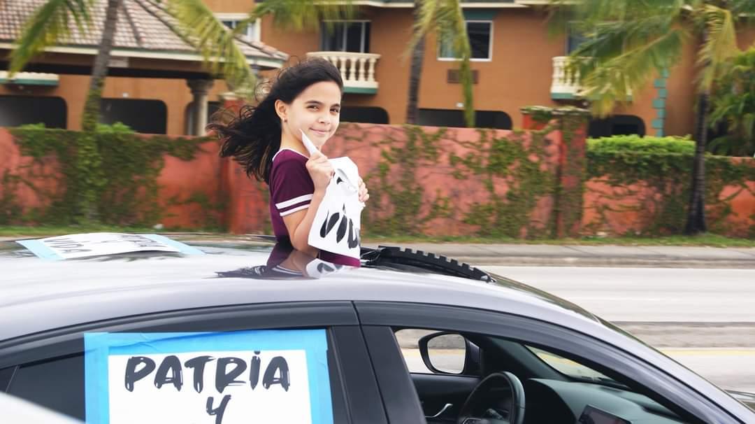 """Mensaje de apoyo a Cuba contra el régimen """"se dio bien claro"""" con caravana en Miami: organizador"""
