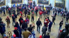 FBI: Un alborotador en la irrupción al Capitolio se disfrazó de activista de Antifa