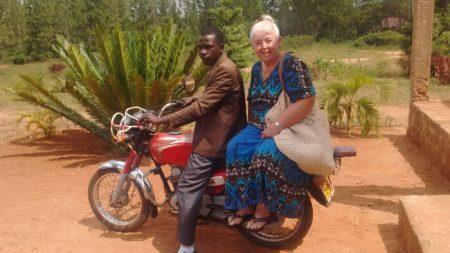 Adaptándose por primera vez a la cultura de Uganda