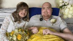 Joven de 20 años con diagnóstico de pocos días de vida por cáncer cumple sueño de casarse con su novia