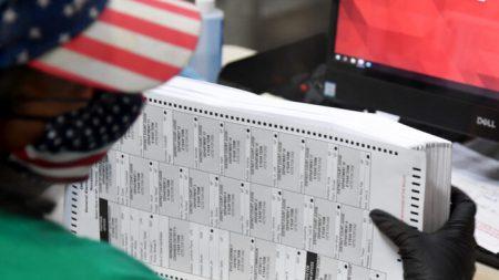 Juez ordena nueva elección tras invalidarse el 78 % de votos en ausencia y arrestaran a una notaria