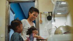 Ocuparse de las tareas de la casa con los niños es enseñar humildad