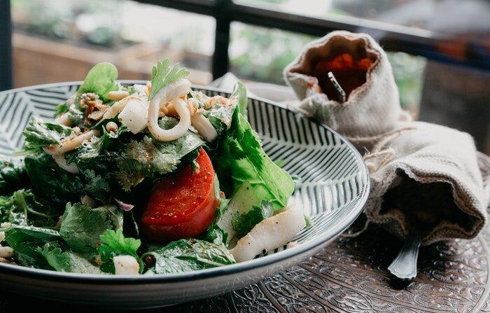 Una dieta de estilo mediterráneo tiene beneficios para el funcionamiento cognitivo más adelante en la vida. (Ponyo sakana en Pexels)