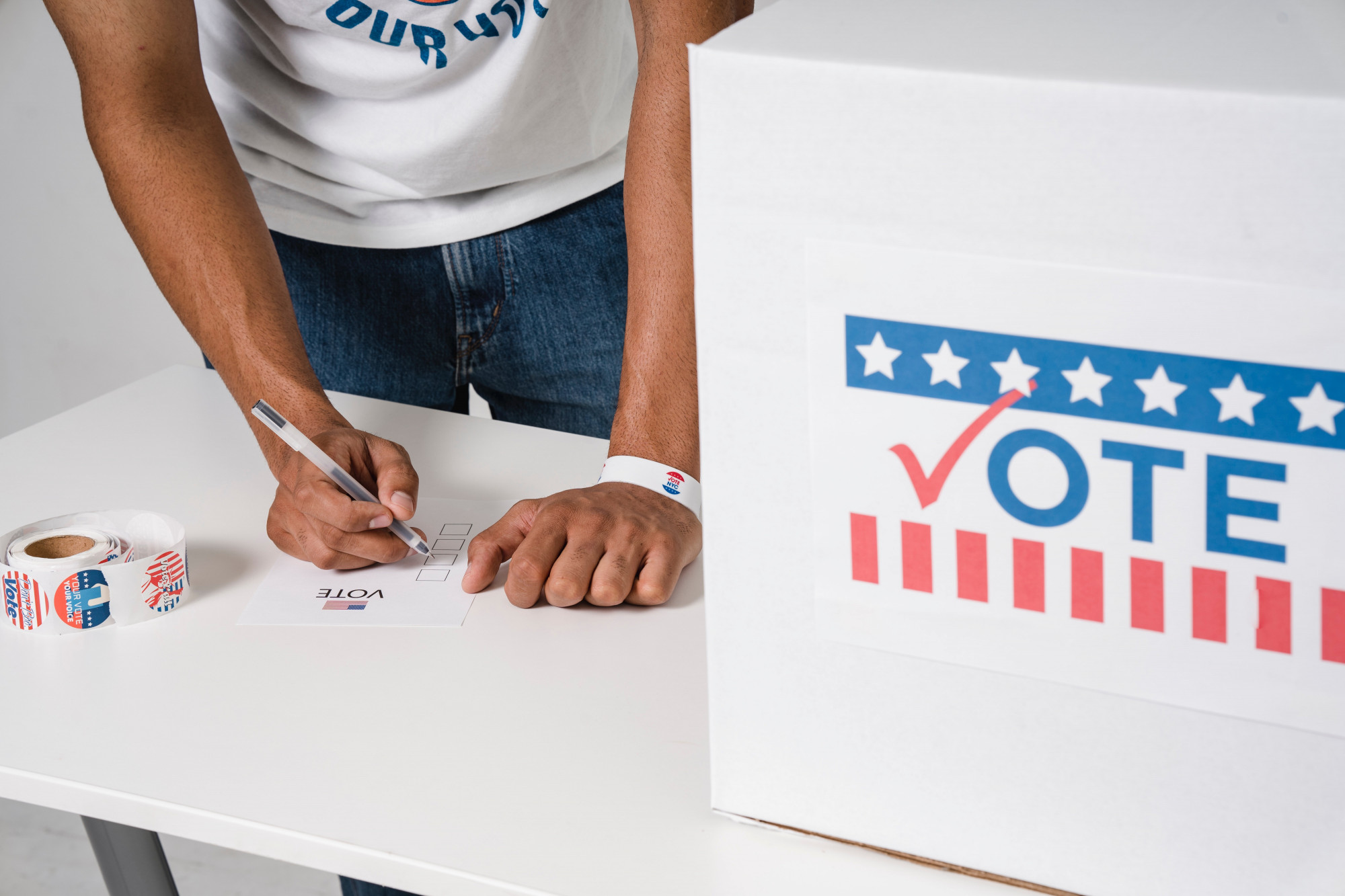 Alcalde interino de una ciudad en California dimite tras declararse culpable de fraude electoral