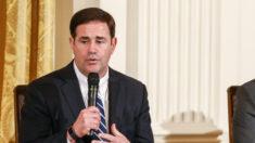 Gobernador de Arizona promulga ley que prohíbe las donaciones privadas para los procesos electorales