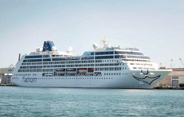 El crucero Adonia de la línea de Carnival Fathom en Miami, Florida (EE.UU.). EFE/CRISTOBAL HERRERA/Archivo