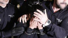 Arrestan a pareja por abandonar a sus cinco hijos en un hotel en EE.UU.