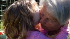 """Abuelita de 114 años es la más longeva de Argentina en ganarle la batalla al COVID-19: """"es un roble"""""""