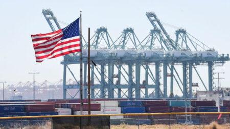 """Proyecto de ley bipartidista de infraestructura no impulsará """"significativamente"""" la economía: PWBM"""