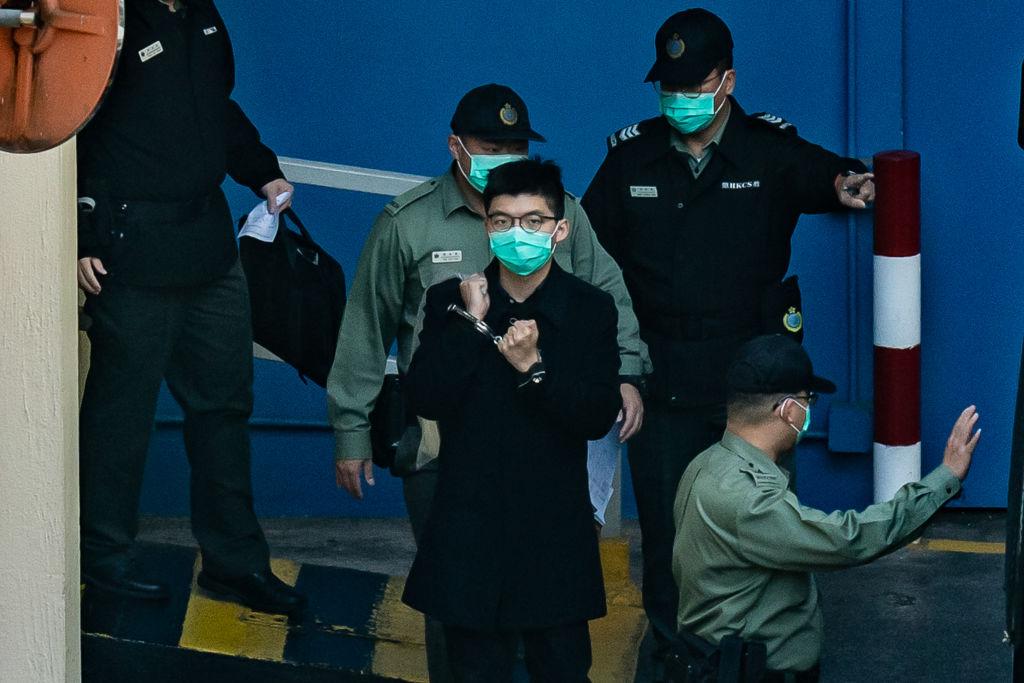 Activista hongkonés Wong recibe tercera sentencia de cárcel por asistir a la vigilia de Tiananmen