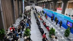 Cibernautas chinos dan la bienvenida a las vacunas Pfizer e ignoran las vacunas chinas gratuitas