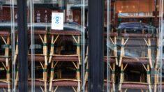 Multan a más de 110 clientes de un restaurante en París y detienen a los encargados