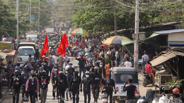 Junta birmana anuncia la liberación de 5600 opositores al golpe de Estado