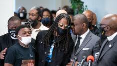 """Andrew Brown Jr. fue """"ejecutado"""" en enfrentamiento con oficiales: hijo sobre video de cámara corporal"""