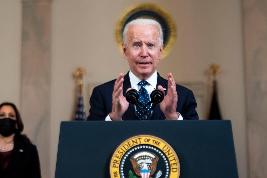 Biden llama a la familia de George Floyd luego del veredicto de Chauvin
