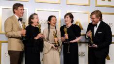 Familia de Chloé Zhao guarda silencio tras ganar el Oscar