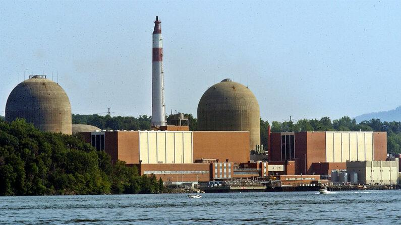 La central nuclear de Indian Point se ve el 3 de agosto de 2002 en Buchanan, Nueva York (EE.UU.). (Stephen Chernin/Getty Images)