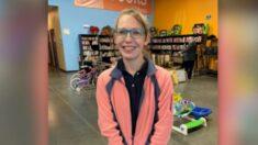 Empleada de Goodwill halla gran suma de billetes en una donación y ayuda a devolver el dinero