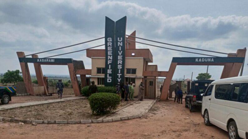 Una vista general de la puerta de la Universidad Greenfield en Kaduna, Nigeria, el 21 de abril de 2021. (Nasu Bori/AFP a través de Getty Images)