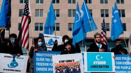 Presentan resolución bipartidista que condena el genocidio del PCCh contra los uigures